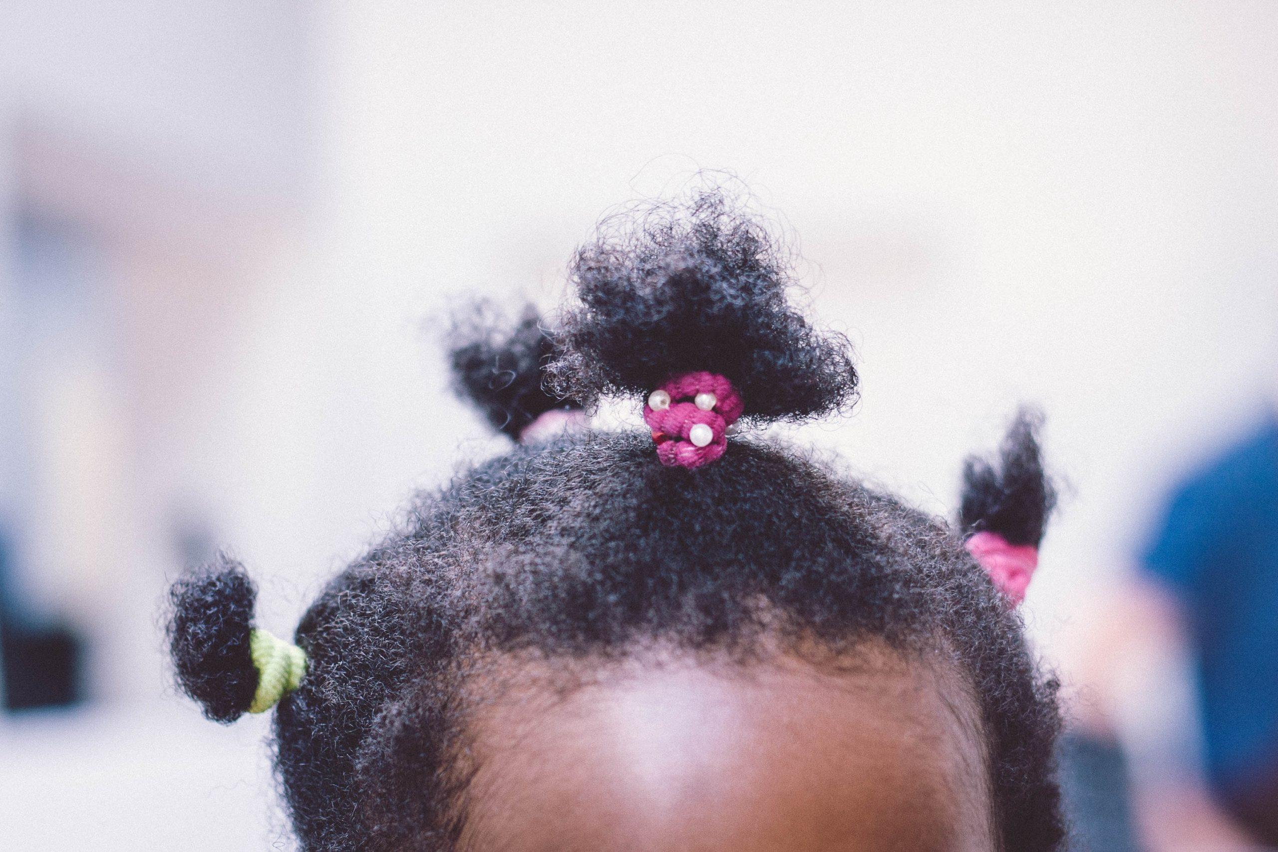 Dossier: Avoir les cheveux bouclés en Guadeloupe - Coupe afro lycée Bel-Air - Bouclette